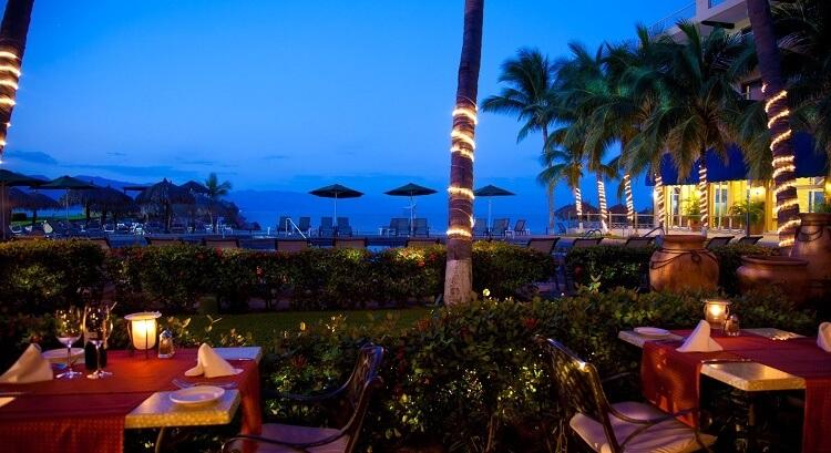 Beautiful dining - Timeshare at Villa del Mar Puerto Vallarta